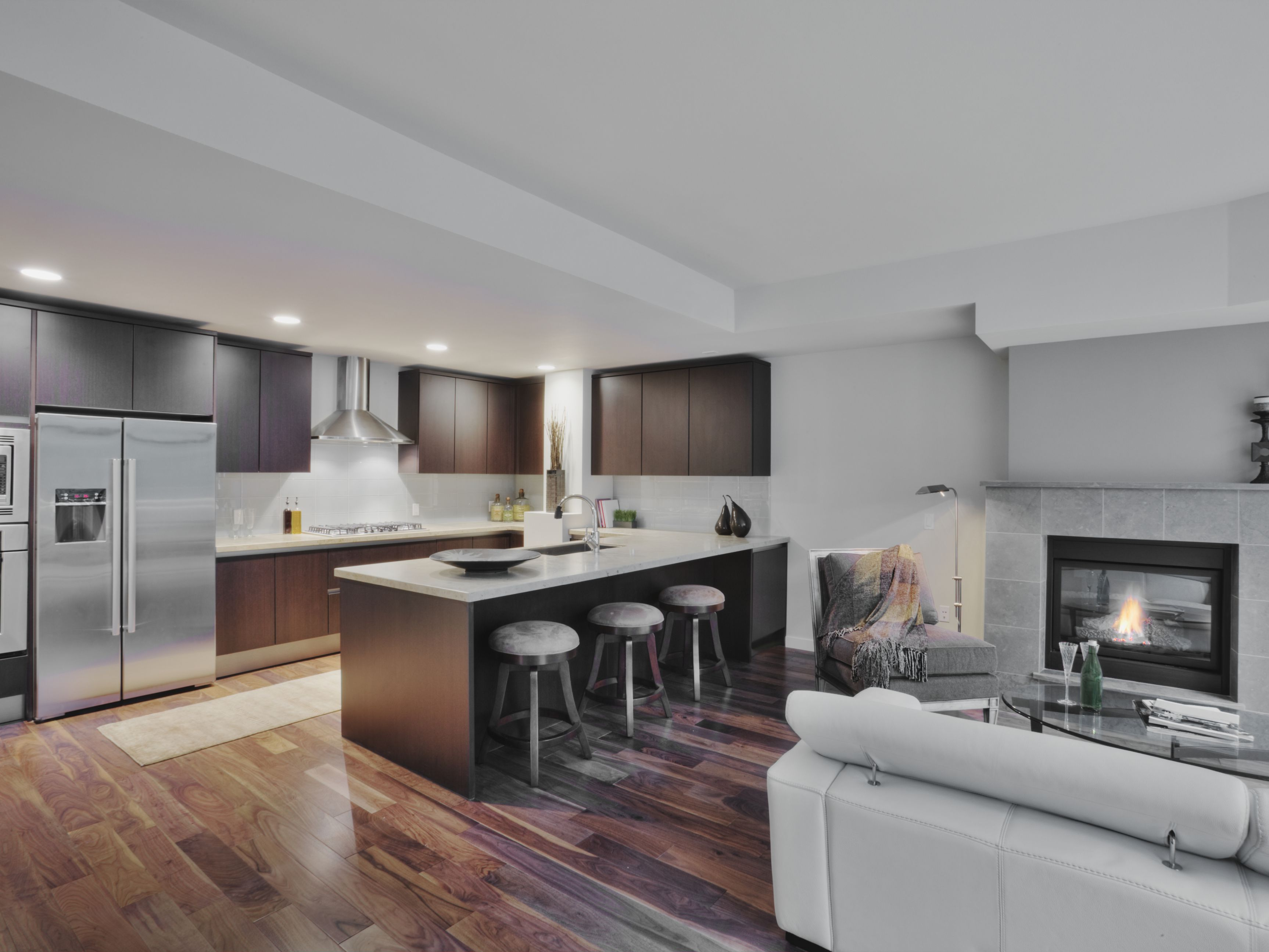 Open-Plan-Kitchen-with-Wood-Floor-188074734-Spaces-Images-56a4a1673df78cf77283536c