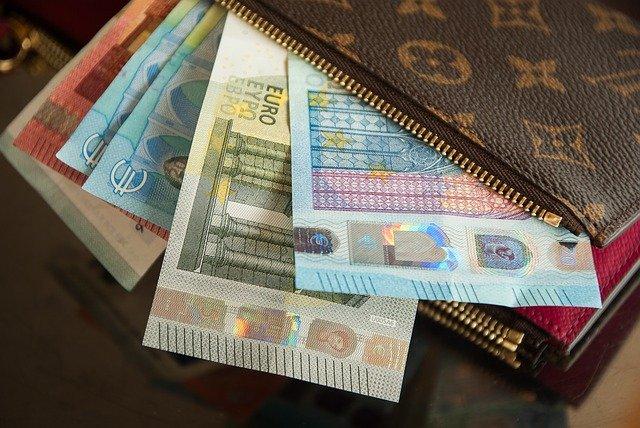 Peniaze nie sú iba platidlom