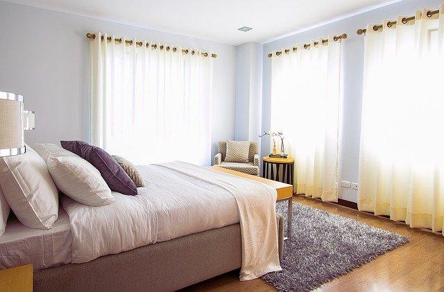Viete, čo vyrieši nedostatok priestoru vo vašej domácnosti? Sklápacie postele!
