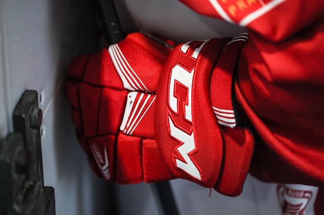 Starostlivosť o hokejové rukavice určite nepodceňujte